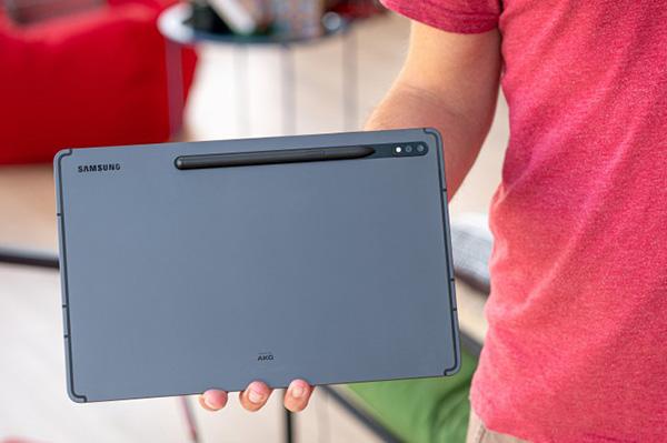 نقد و بررسی تخصصی +Galaxy Tab S7